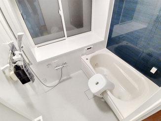 バスルームリフォーム 洗濯物もしっかり乾かせる乾燥機付きの広々とした浴室