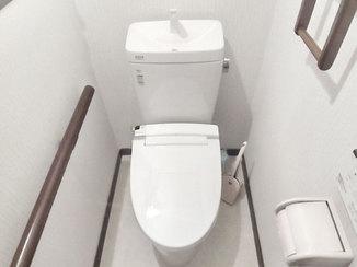 トイレリフォーム 照明の不具合を解消し、明るく仕上げたトイレ