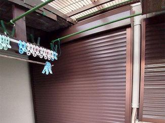 エクステリアリフォーム 強い風から窓を守るシャッター
